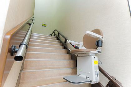 浦田会館 本館 【1階】階段